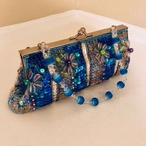 ⭐️RARE⭐️ Couture turquoise beaded clutch